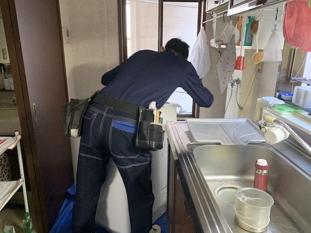 洗濯機分解作業①