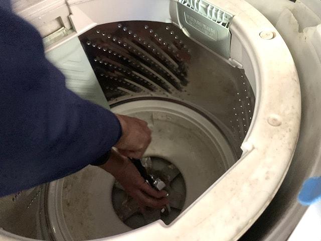 洗濯機分解作業③