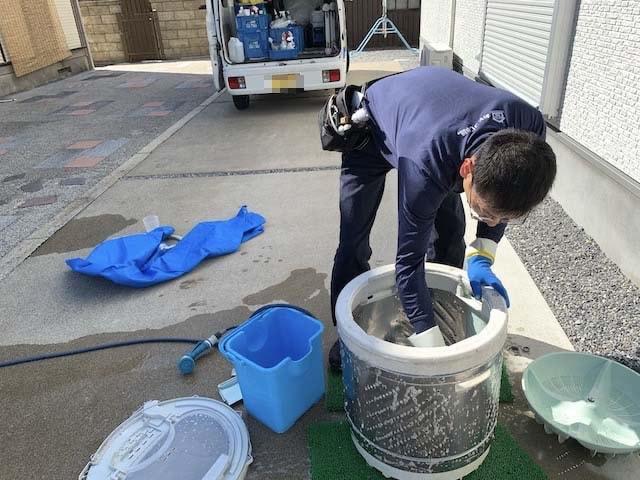 洗濯機清掃作業③