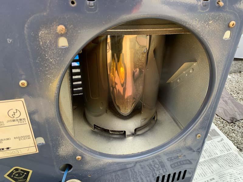 エアフィルターを外した内部の汚れ1