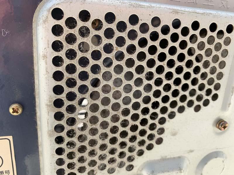 大きいエアフィルターの汚れ