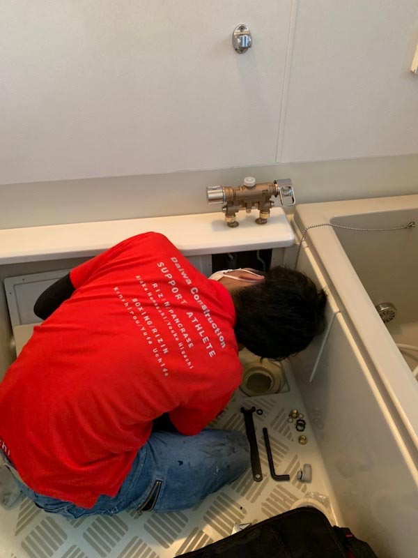 水栓金具の取り外し作業2